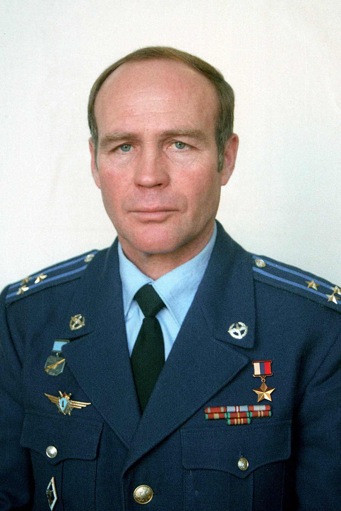 Герой России полковник ПОЗДНЯКОВ Михаил Иванович