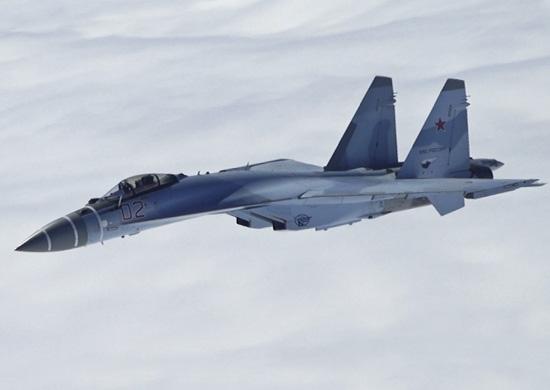 Новейший истребитель Су-35 тестируют на применение в бою