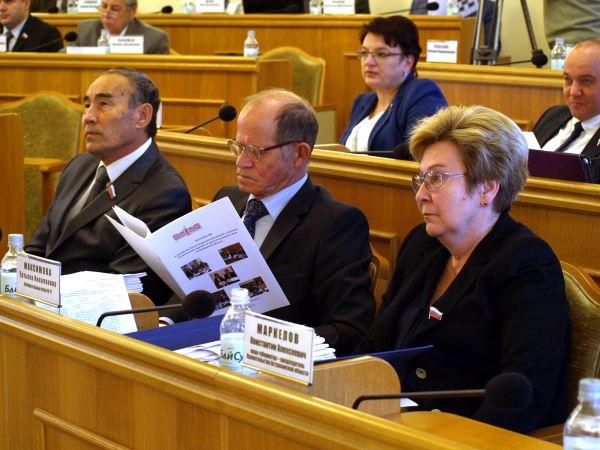 Область получила бюджет и закон об отзыве губернатора
