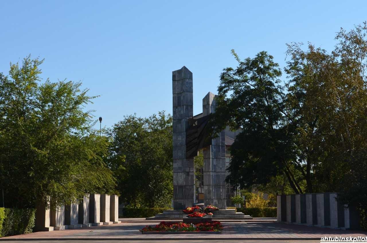 Памятники нашего города. Шагнувшие в бессмертие