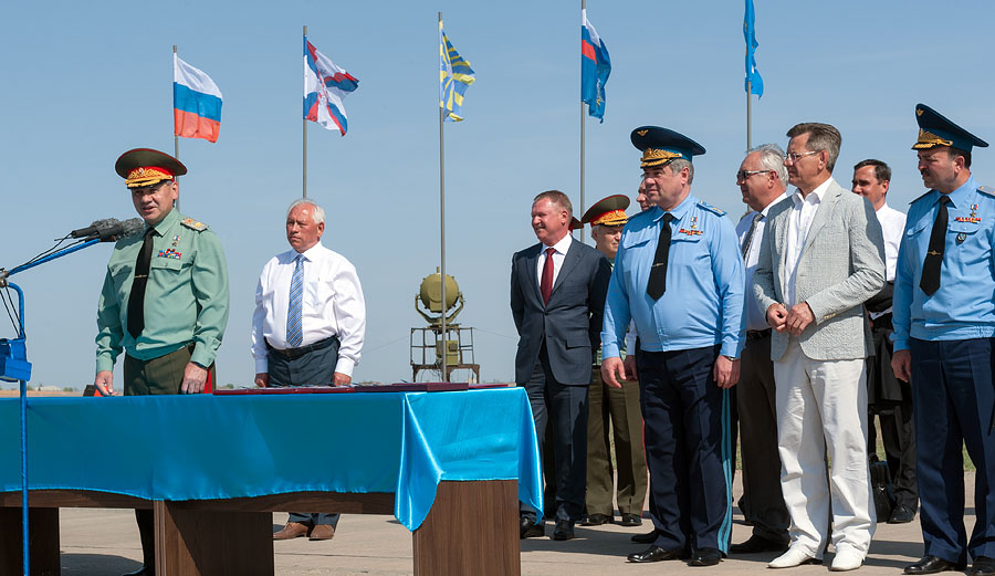 «Фантастическое зрелище»- так оценил министр обороны взлет Су-34 с новой полосы в Ахтубинске.