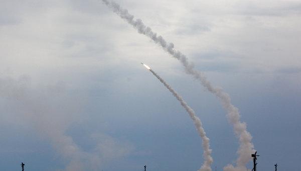 Незаконные мигранты решили подзаработать собирая осколки баллистических ракет