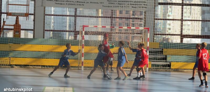 Юные гандболисты достойно защитили честь  Ахтубинского района