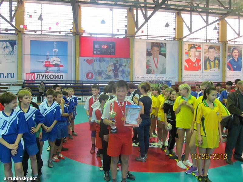 Юные гандболисты стали победителями на турнире в Астрахани