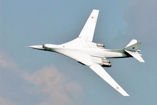 ВВС России выбрали дозвуковой бомбардировщик-невидимку