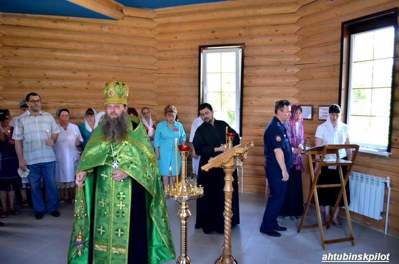 В часовне на территории ахтубинской районной больницы прошла первая служба