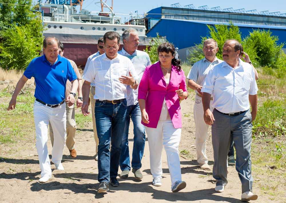С важной трудовой победой ахтубинских судостроителей поздравил губернатор Астраханской области Александр Жилкин