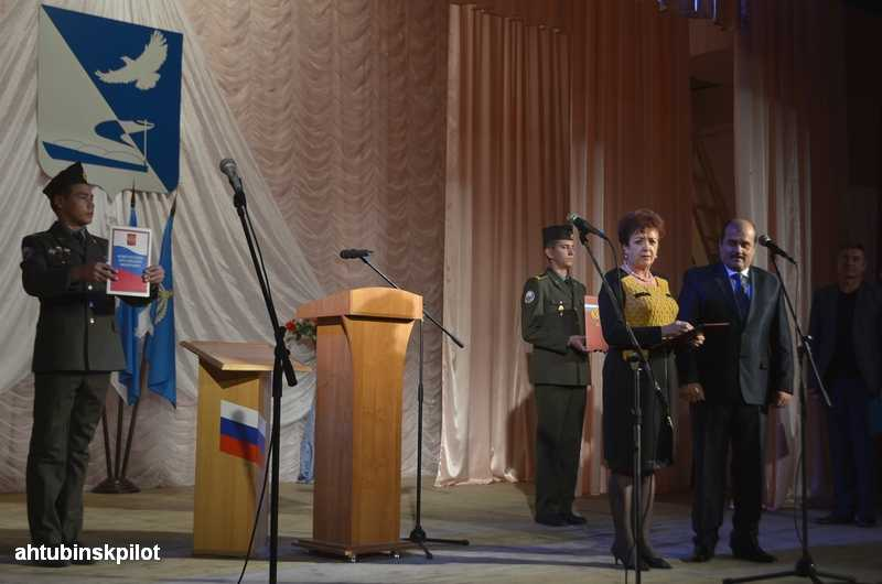 Виктор Ведищев торжественно вступил в должность главы Ахтубинского района