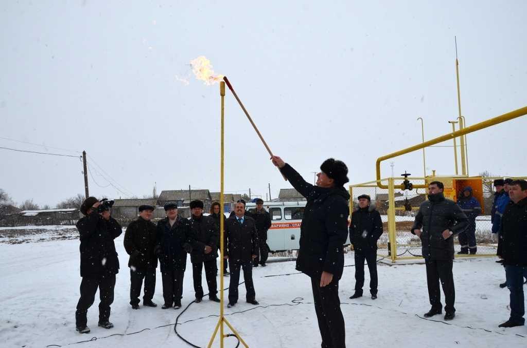 Константин Маркелов во время рабочего визита в муниципалитет принял участие в торжественном подключении двух сёл к газопроводу.