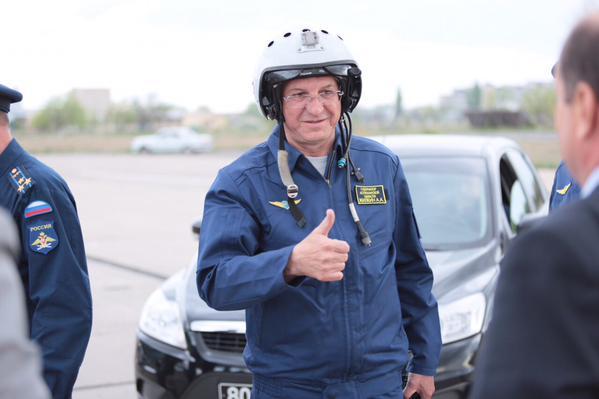 Губернатор Астраханской области встал на крыло