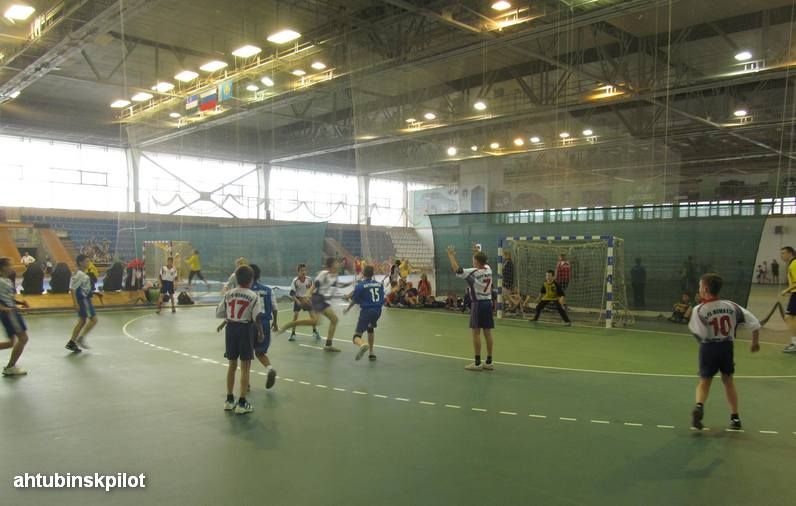 Юные ахтубинские гандболисты вошли в топ лучших команд страны