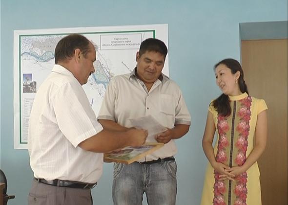Молодые семьи получили сертификаты