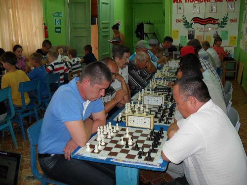 Определить победителя в шахматно-шашечном турнире оказалось непросто