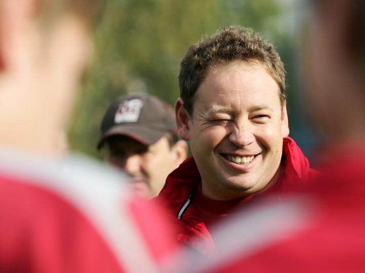 «Я гениальный тренер, мне помощь не нужна…» Представляем нового тренера сборной по футболу