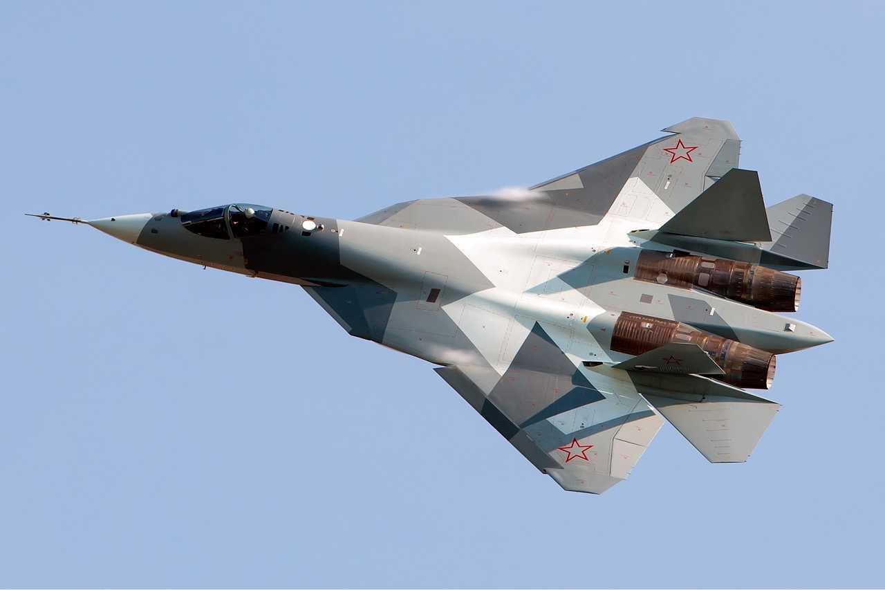 Главком Воздушно-космических войск: Т-50 начнет участвовать в учениях, как только поступит в войска
