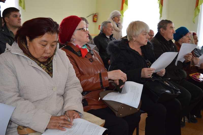 Глава района встретился с жителями поселка Верхний Баскунчак