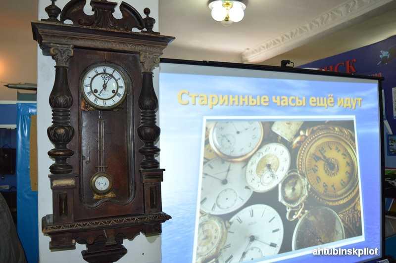 Старинные часы ещё идут