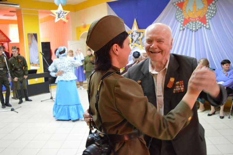 Накануне Дня Победы в районном Доме культуры прошёл бал ветеранов