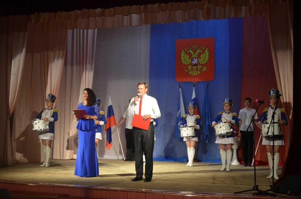 Ахтубинские артисты посвящали свое творчество России