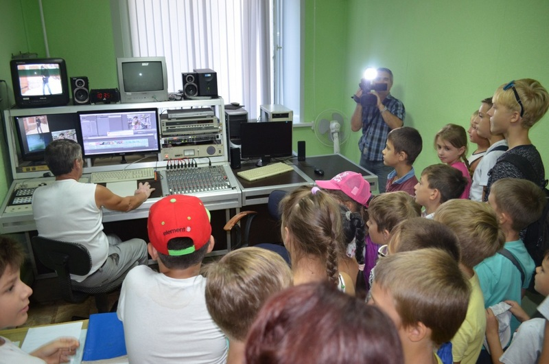 Валерия Астафьева, главный редактор «Ахтубинск ТВ»:  Тех, кто делает местные новости, по пальцам пересчитать