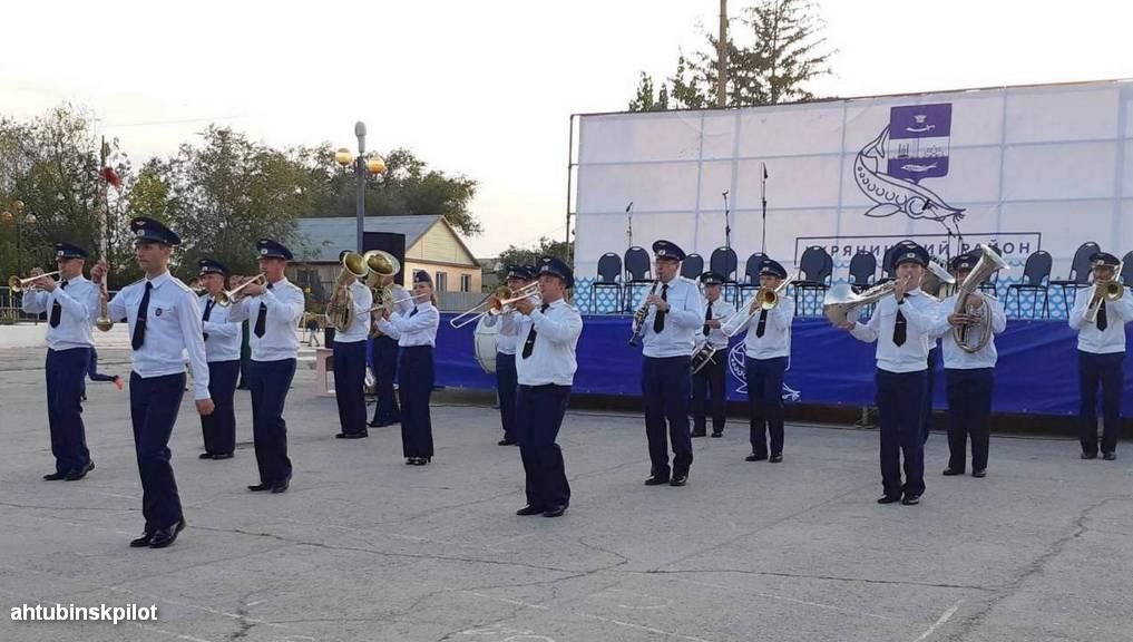 По главной улице с оркестром. Ахтубинские музыканты приняли участие в фестивале «Фанфары Каспия»
