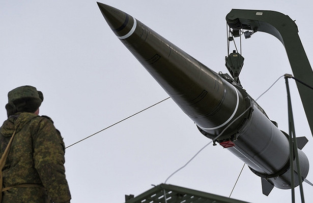 ПодАстраханью испытают новейшее оружие России
