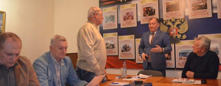 Мэр и его команда. Аманга Нарузбаев выступил с отчетом перед советом ветеранов Ахтубинского гарнизона