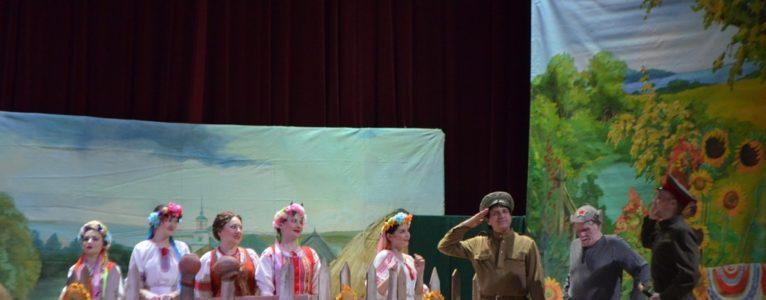 «Свадьба в Малиновке» в новой интерпретации на сцене ахтубинского Дома офицеров