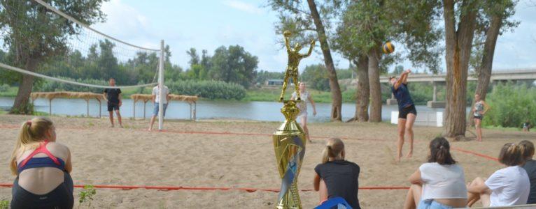 В Ахтубинске впервые прошел турнир по пляжному волейболу