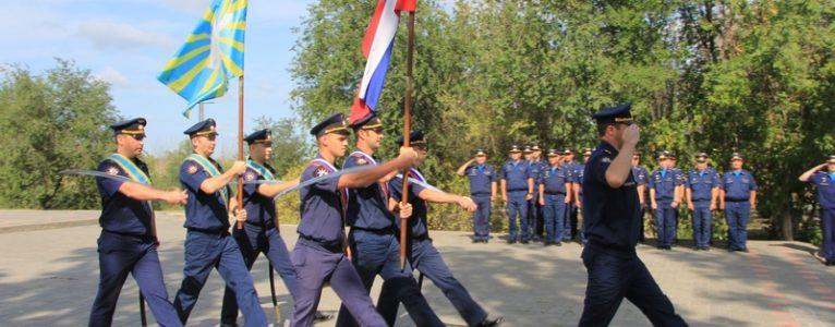 На Крыле Икара прошло торжественное построение военнослужащих