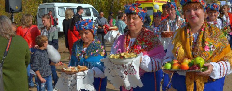 Под флагом Ахтубинского района прошел фестиваль-ярмарка