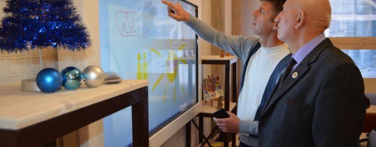 Планета по имени солнце. В Ахтубинске открылась муниципальная модельная библиотека нового поколения