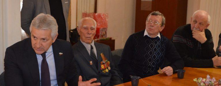 Леонид Огуль предложил увековечить Ахтубинск, как город трудовой доблести