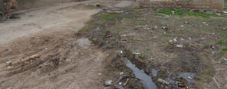 Вопиющий факт. Жилой микрорайон Ахтубинска заливают отходами