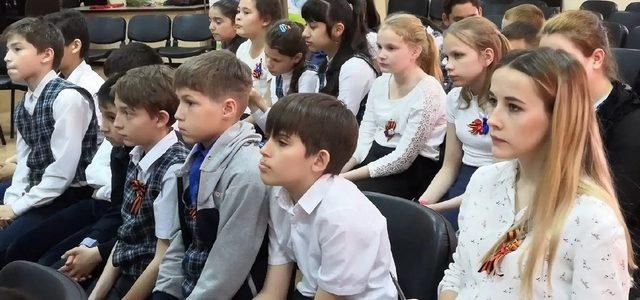 Дистанционное обучение школьников на майские праздники будет приостановлено