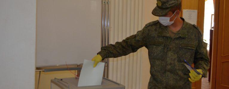 Первыми в Ахтубинске проголосовали военнослужащие