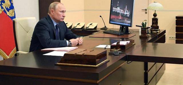 Путин считает безупречным вариантом начать голосование по поправкам в конституцию 1 июля