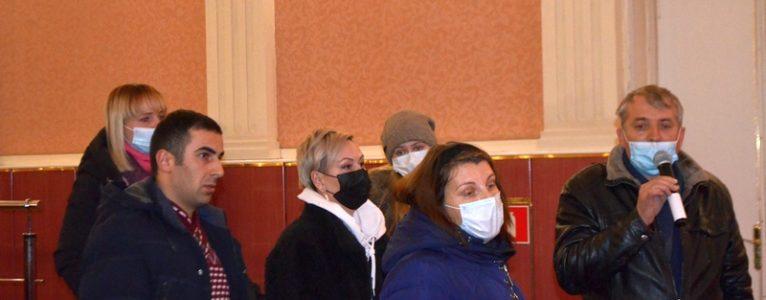 Кто спасет здравоохранение в Ахтубинском районе. Дискуссия представителей общественности с региональными министрами получилась жаркой