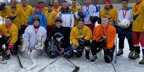 На стадионе «Волга» состоялся турнир по хоккею с шайбой «Кубок Ахтуба»