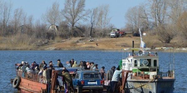 Глава города Ахтубинска прокомментировал ситуацию с паромной переправой