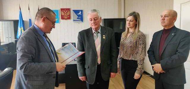 Районные власти поздравили Почётного гражданина, председателя совета ветеранов Ахтубинского гарнизона с юбилеем