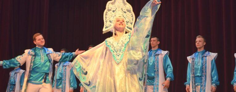 Волгоградские артисты выступили на сцене Ахтубинского Дома офицеров