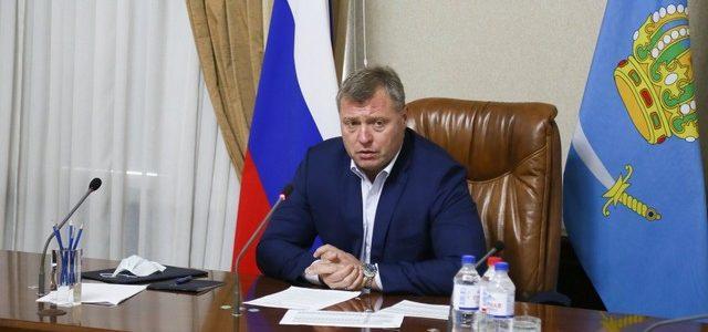 В Астраханской области вводятся ограничения и специальные коды для привитых