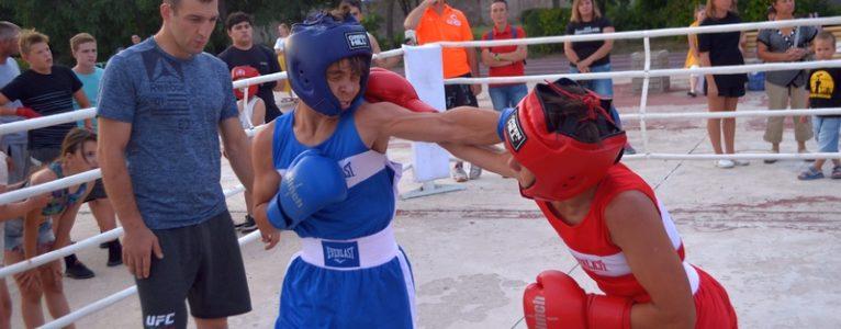 Первая открытая тренировка по боксу прошла на стадионе «Волга»