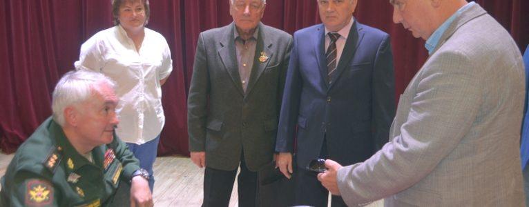 Заместитель министра обороны Андрей Картаполов встретился с ветеранским активом ГЛИЦ им.В.П.Чкалова